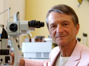 Dr Lucio Buratto, Milan, Italie.